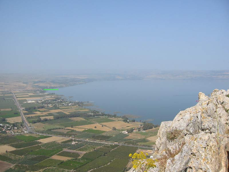 Genneseret on plain border